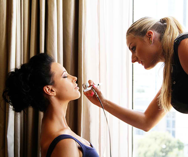 Karolina is a professional makeup artist that loves to enhance the natural beauty of each individual she has the pleasure to work with.